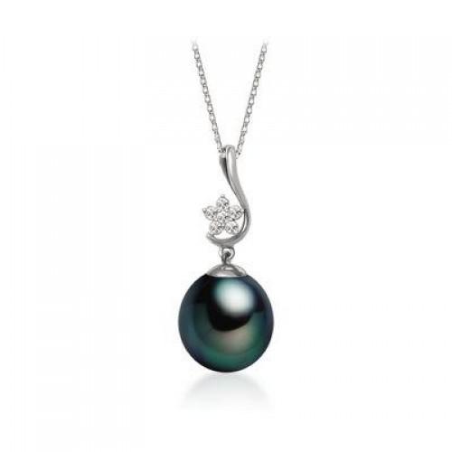 TOSCOW 18K WhiteGold & Diamond Pearl Pendant